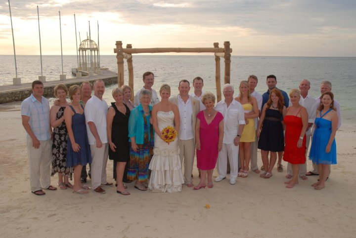 sandals_destination_wedding_group