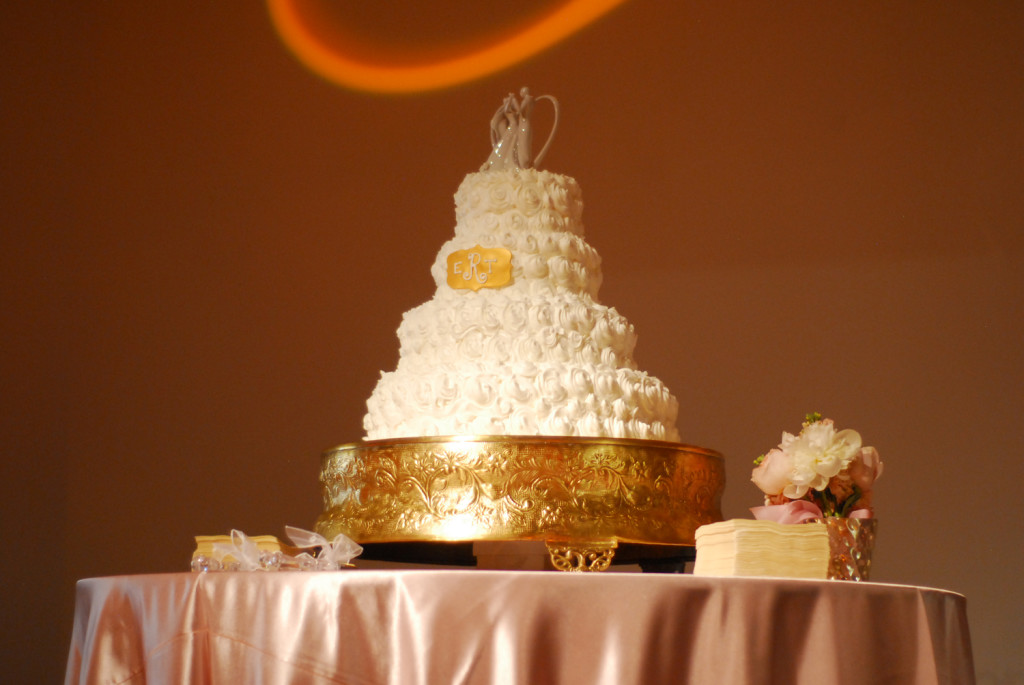4 tiered cake gold
